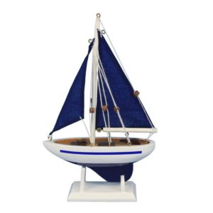 Small sailboat – 9″